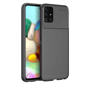 Olixar Carbon Fibre case is a perfect choice for those who need both the looks and protection! A flexible TPU material is paired with an eye-catching carbon print to make sure your Samsung Galaxy A71 is well-protected and looks good in any setting.