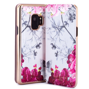 Form-fitting and bulk-free, the Babylon Nickel case for Samsung Galaxy S9 from Ted Baker sports an ethereal, otherworldly floral aesthetic while also offering superlative protection for your device from drops, scrapes and other damage.