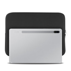 The black Olixar universal neoprene sleeve is a slim, form-fitting and extremely durable case for your Samsung Galaxy Tab S7. With a unique, sleek and stylish design.