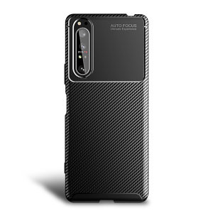 Olixar Carbon Fibre case is a perfect choice for those who need both the looks and protection! A flexible TPU material is paired with an eye-catching carbon print to make sure your Sony Xperia 5 II is well-protected and looking good in any setting.