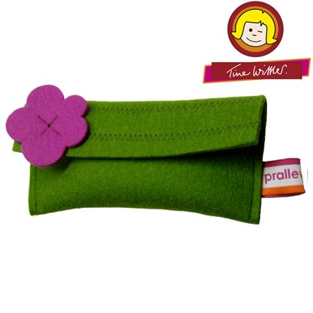 tine wittler flower design pouch green. Black Bedroom Furniture Sets. Home Design Ideas