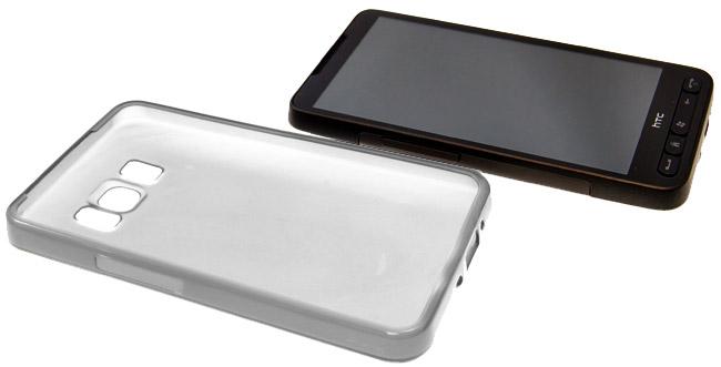 HTC HD2 à côté de la coque FlexiShield Transparente