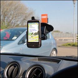 Support voiture pour HTC Desire en utilisation dans la voiture