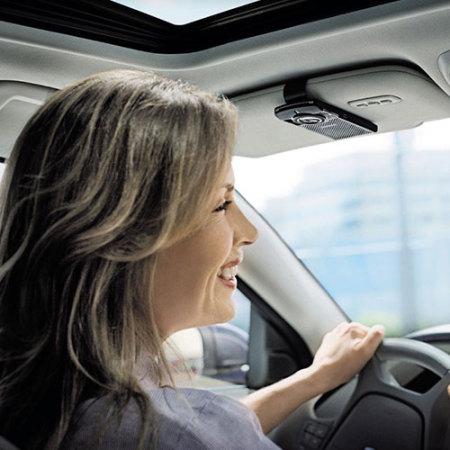 Bluetooth de coche con transmisor FM Plantronics K100