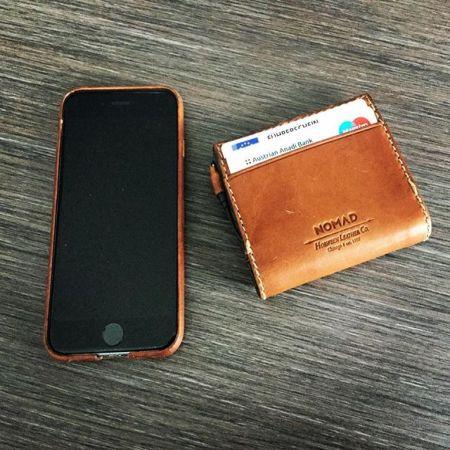 finest selection a6378 d1e32 Nomad Slim MFi Lightning Genuine Leather Battery Wallet - Brown