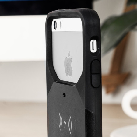 iphone qi charging case. aircharge mfi qi iphone se wireless charging case - black iphone