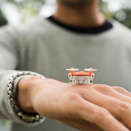 Drone BuzzBee Nano - El quadricóptero más pequeño del mundo