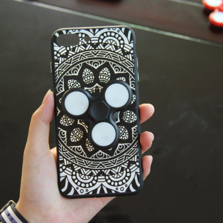 olixar iphone 8 / 7 fidget spinner pattern case - black / white