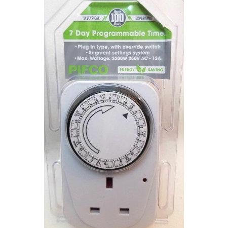 Pifco 7 Day Analogue Timer Energy Saving Plug - White