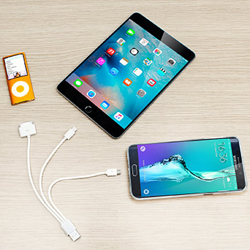 4-in-1 Charge and Sync (Apple devices, Galaxy Tab, Micro USB) - White