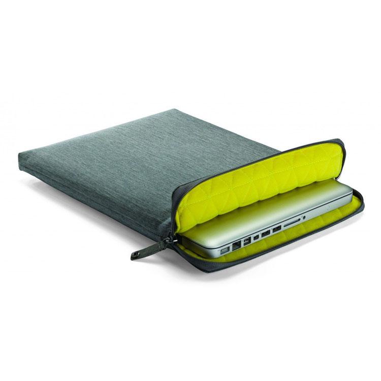 15 inch MacBook Pro Street Sleeve - Grey