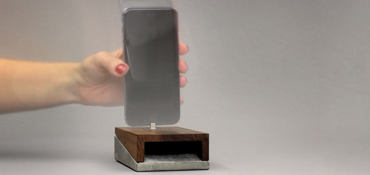 WoodUp mobi iPhone Wooden Docking Charging Station
