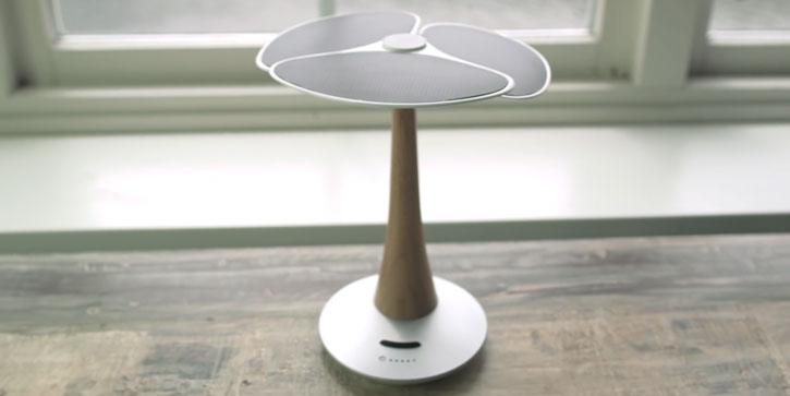 XD Design Gingko Solar Tree Charger for Smartphones and Tablets