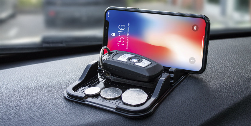 Olixar Sticky Dashboard Mat for Smartphones