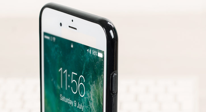 Coque iPhone 8 Plus / 7 Plus Olixar FlexiShield en gel – Noire