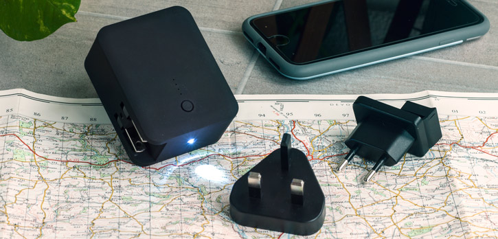 Mains Travel Charger with 3000 mAh Power Bank