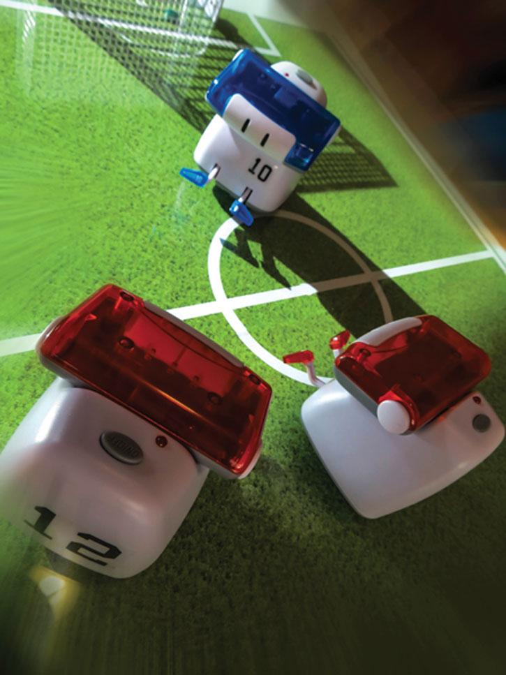 BeeWii Athlete Bluetooth App Controlled Mini Robot - Black / White