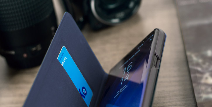 LED Flip Wallet Cover Officielle Samsung Galaxy S8 Plus - Bleue vue sur touches