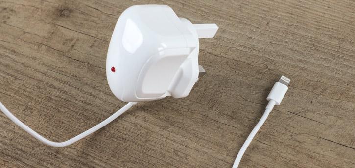 MFi Apple Lightning UK 2.4A Mains Charger - White