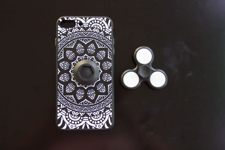 iPhone 7 Fidget Spinner Case - Black / White