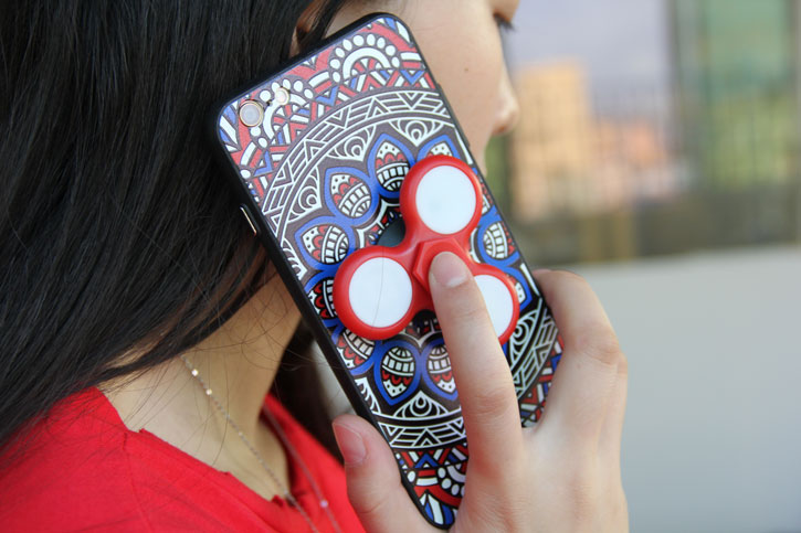 Olixar iPhone 7 Fidget Spinner Muster-Hülle - Rot / Blau