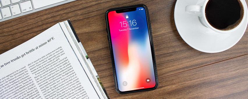 SuperSpot iPhone X Retro Spielhülle - Kohlenschwarz