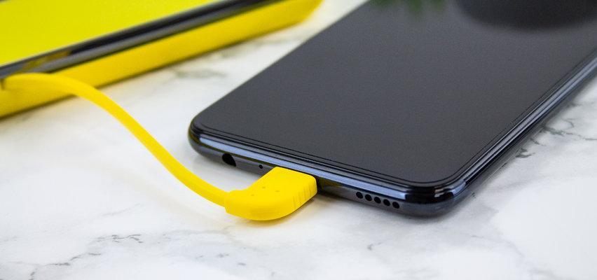 Kit Universal 4,500mAh Power Bank with Micro SD Card Reader - Yellow